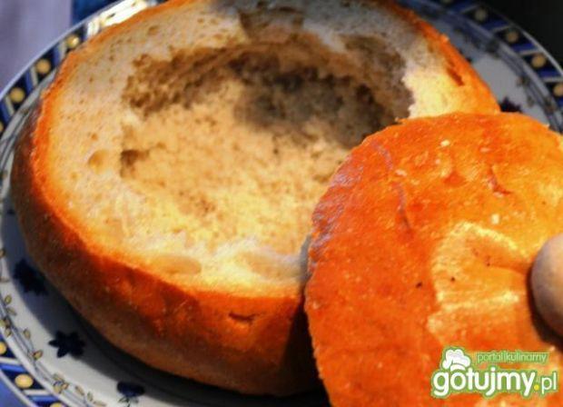 Aromatyczny żurek w chlebku