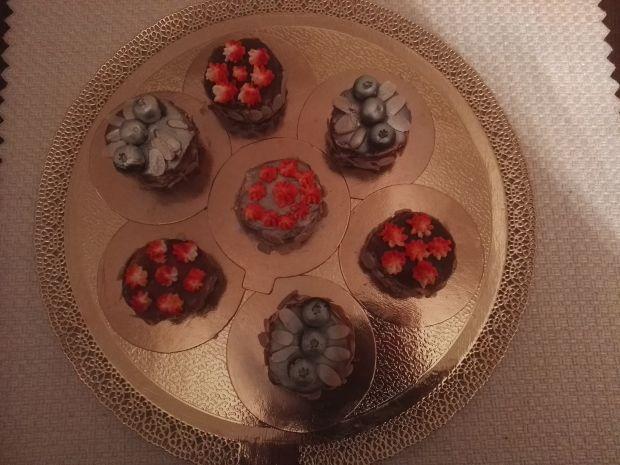 Babeczki czekoladowe z czekoladową polewą