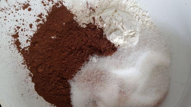 Babeczki kakaowe ze śliwkami