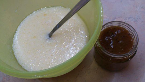 Babeczki z konfiturą i białą czekoladą