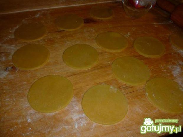 Babeczki z kremem z masła orzechowego