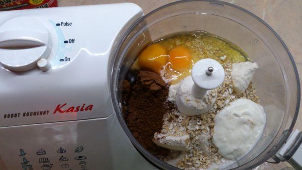 Babeczki z morelą i kiwi na śmietanowym kremie
