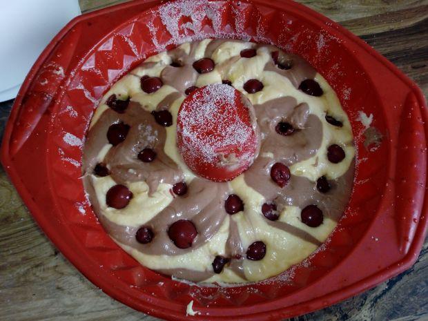 Babka gotowana z wiśniami
