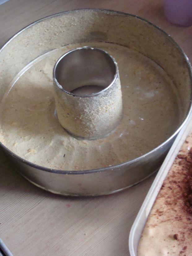 Babka w czekoladowe  kropki