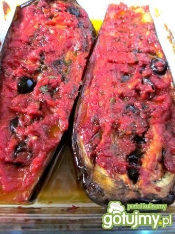 Bakłażan faszerowany pomidorem i oliwką