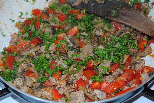 Bakłażan z mięsem mielonym i oscypkiem
