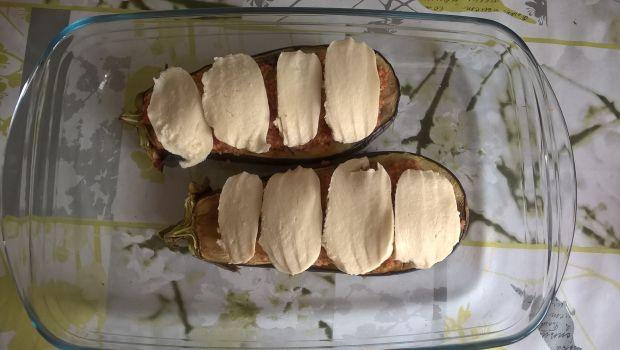 Bakłażan zapiekany z kuskusem, chilli i kalarepą