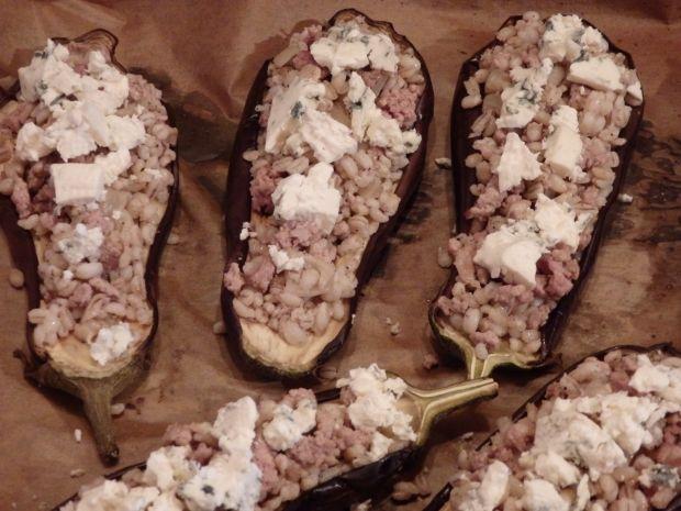 Bakłażany faszerowane mięsem i pęczakiem