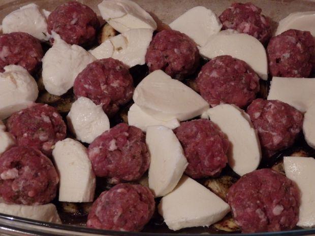Bakłażany zapiekane z pulpecikami i mozzarellą