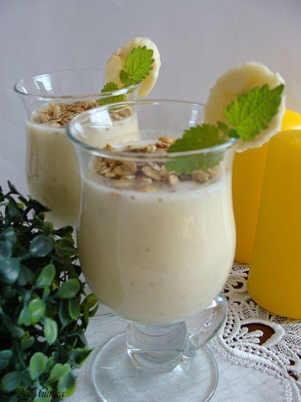 Bananowy song-koktajl z musli