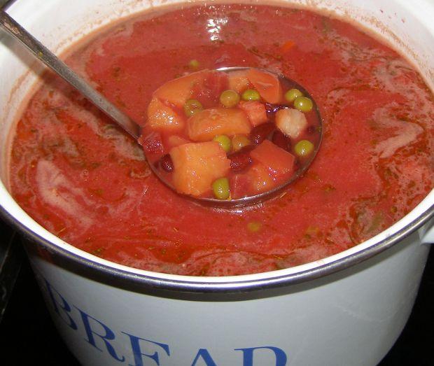 Barszcz warzywny na oleju chili,czosnek.