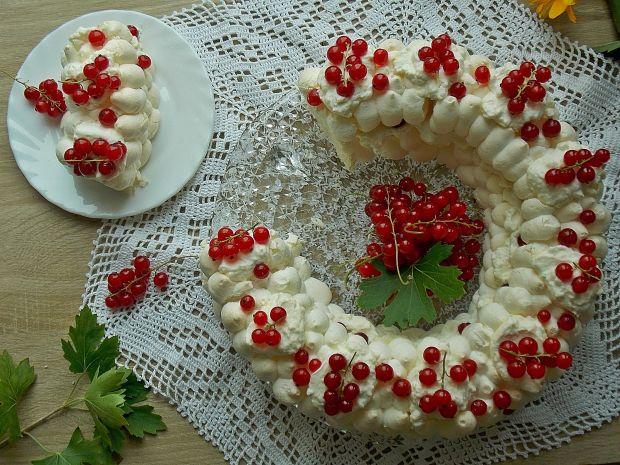 Beza z czerwoną porzeczką i białą czekoladą