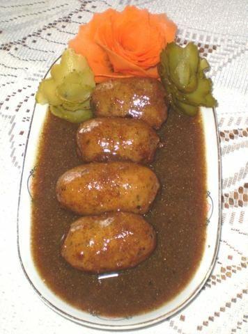Biała kiełbasa w sosie cebulowo