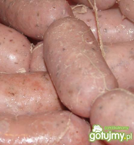 Biała kiełbasa z rozmarynem  w sosie