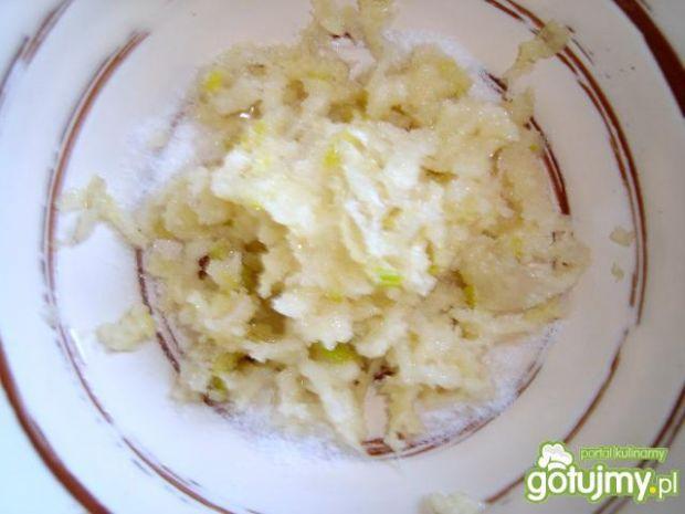 Białe kiełbaski w ostrym sosie