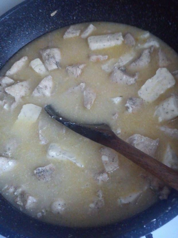 Biały sos z kurczakiem