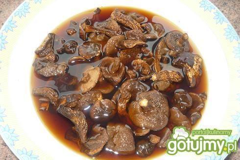 Bigos z kiełbasą i suszonymi grzybami