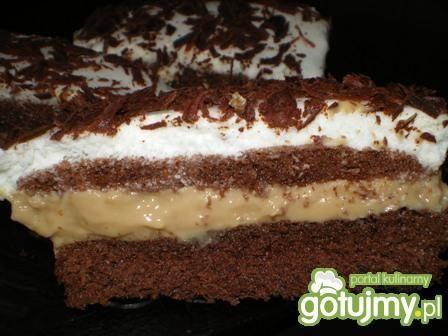 Biszkopt czekoladowy z kremem kawowym
