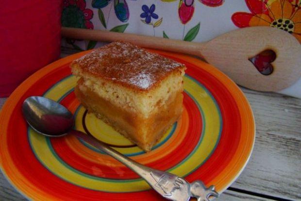 Biszkoptowe ciasto z jabłkami z anyżem