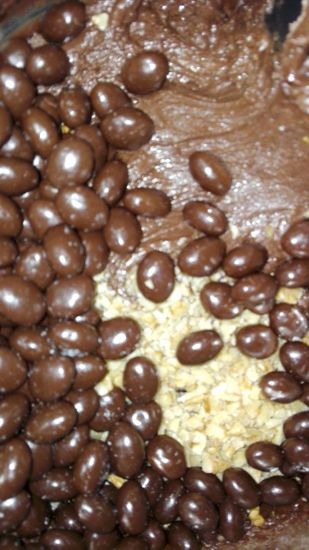 Blok czekoladowy z orzechami
