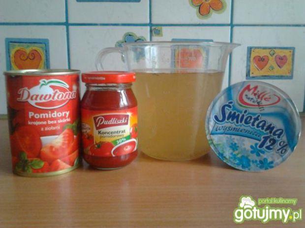 Błyskawiczna zupa pomidorowa wg -Natka-