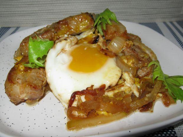 Boczek z jajkiem sadzanym
