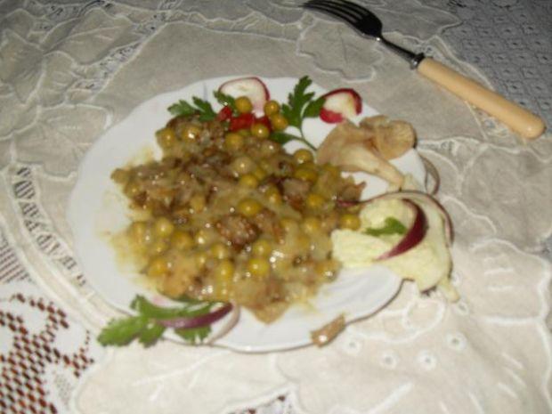 Boczniakowe -łazanki- z zielonym groszki