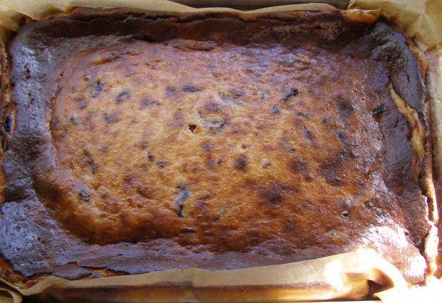 Borówkowy sernik pieczony na herbatnikach