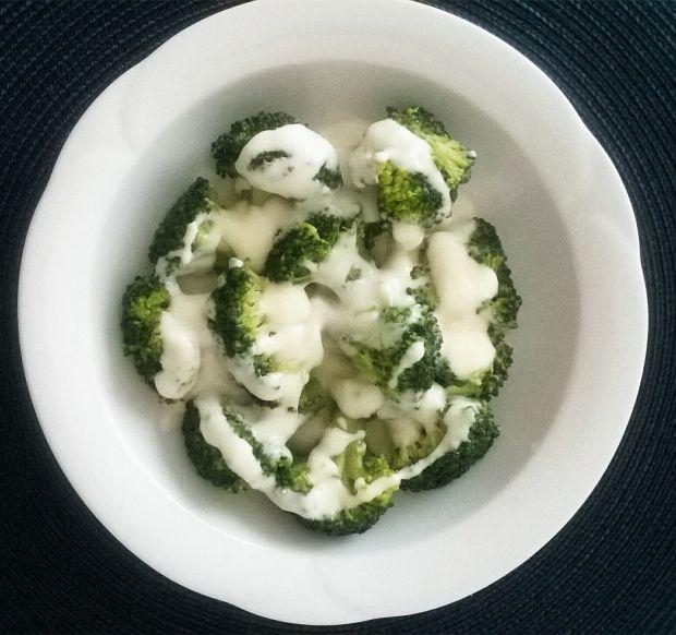 Brokuł w sosie mlecznym