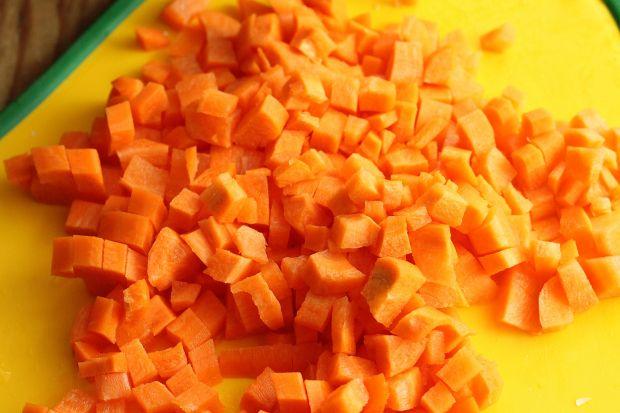 Brokułowa zupa z orkiszem