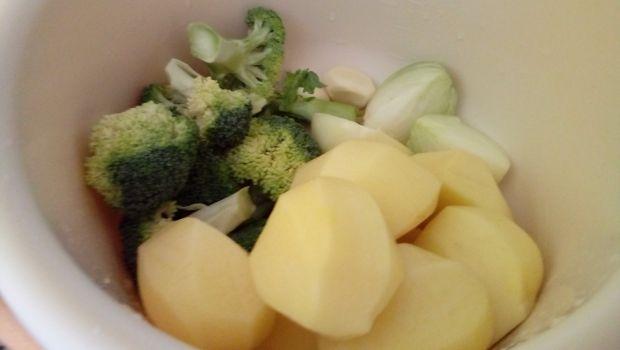 Brokułowo ziemniaczane placki