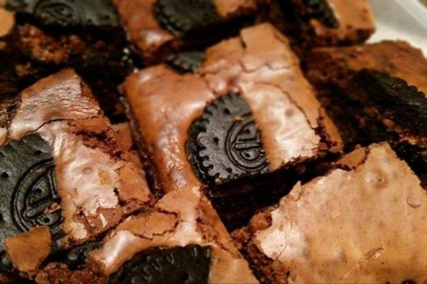 Brownie z Oreo, ciasto mocno czekoladowe