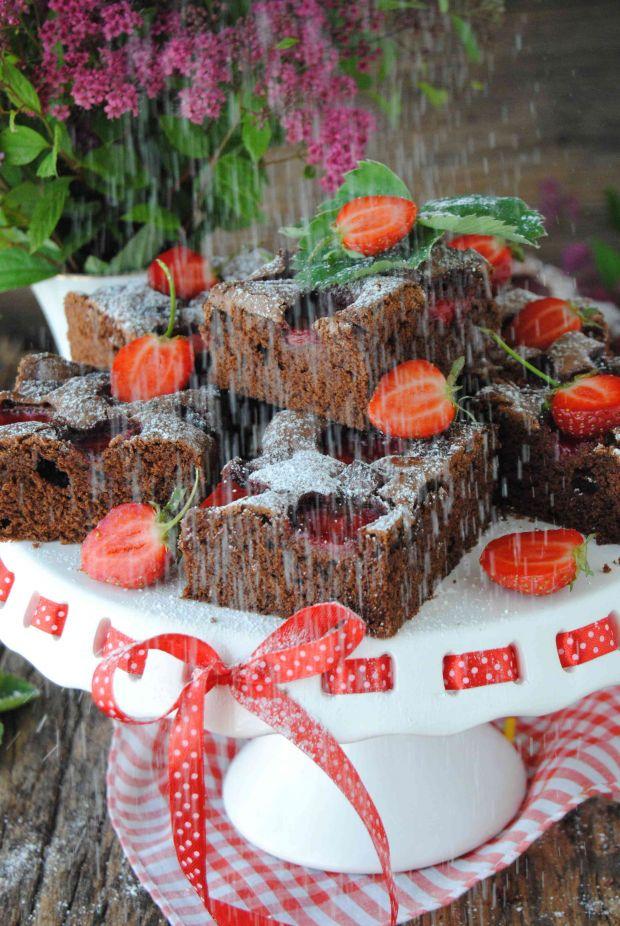 Brownie z truskawkami