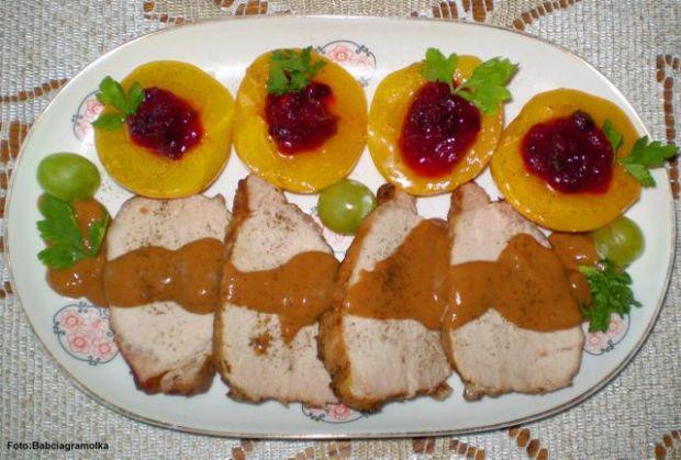 Brzoskwinie z żurawiną do mięs :