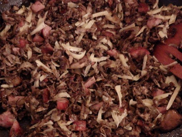 Bułeczki drożdżowe z nadzieniem pieczarkowym