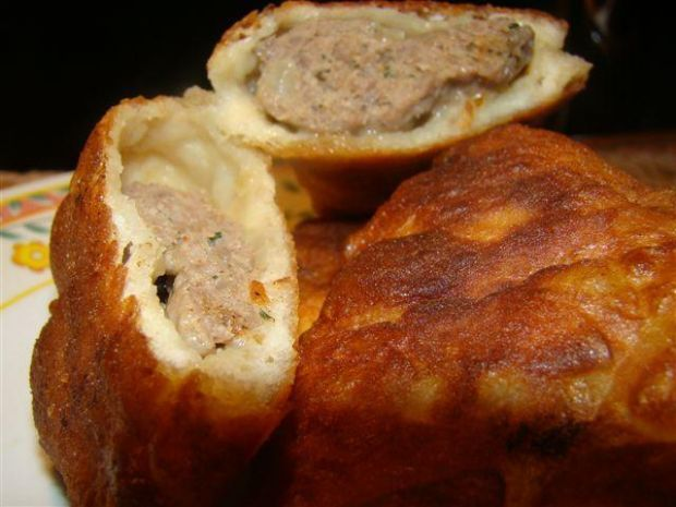 Bułgarsko-tureckie pierogi z mięsem