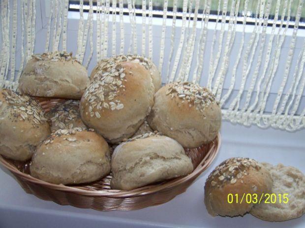 Bułki pszenno- orkiszowe z ziarnami
