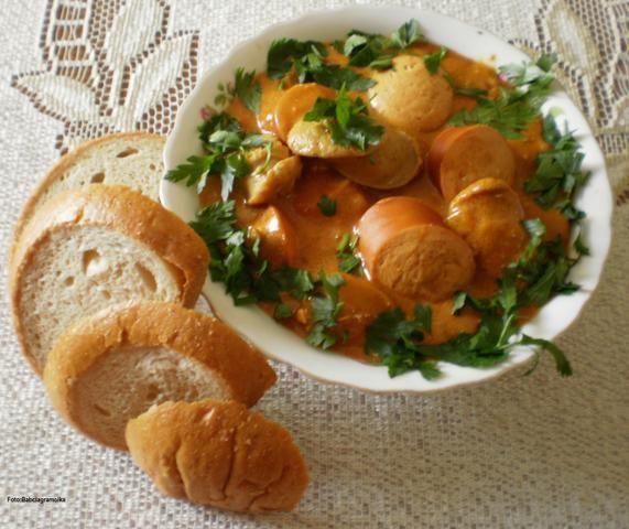 Bunia robi Currywurst :