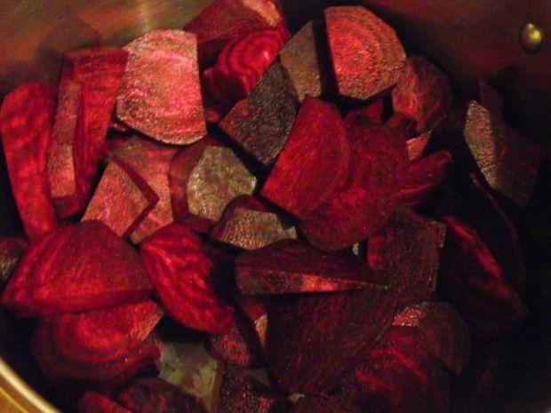 Buraczany zaczyn na zimę - czerwony barszcz