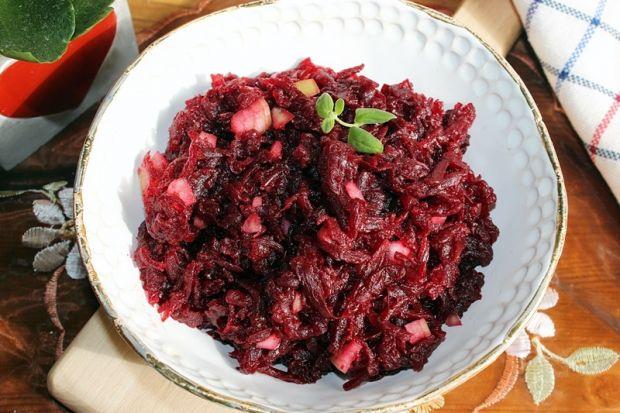 Buraczki pieczone z cebulą i olejem konopnym