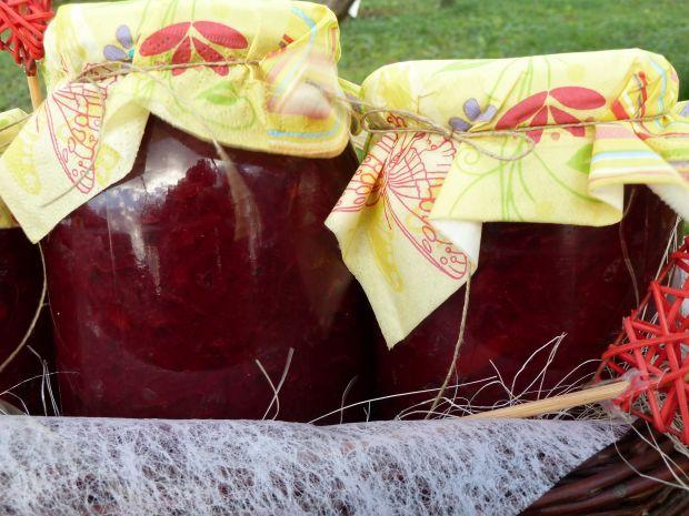Buraki z papryką (w słoiki)