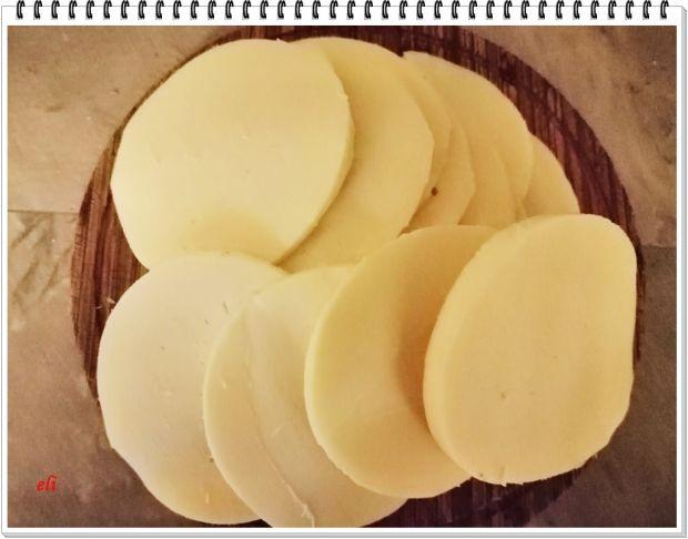 Burgery z serem Eli pieczone w bułkach