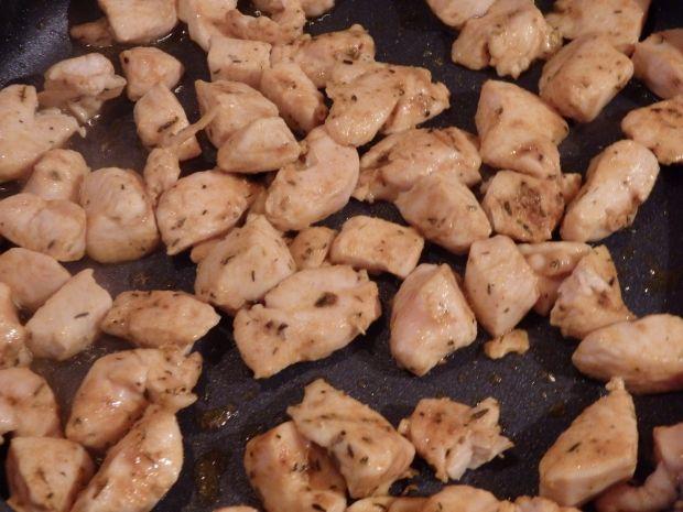 Calzone z kurczakiem i pieczarkami