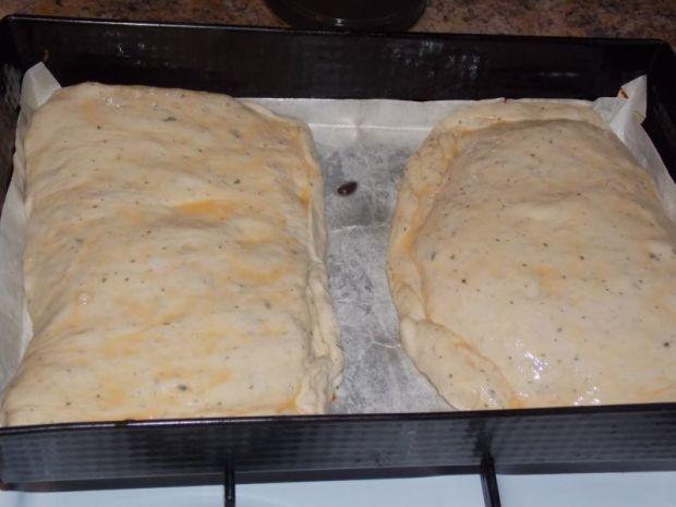 Calzone z szynką konserwową