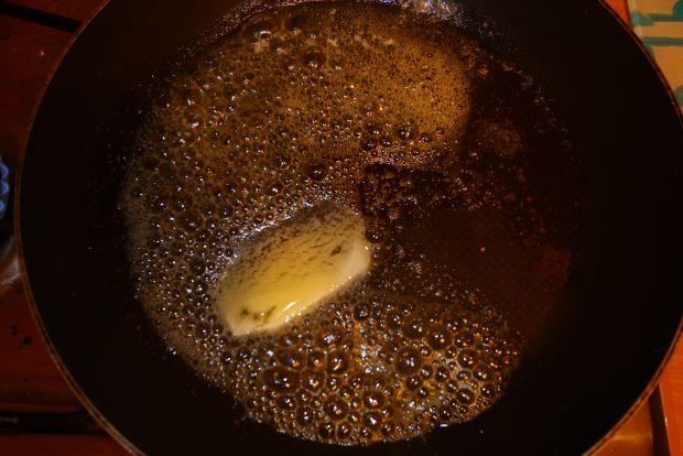 Chałka z truskawkami