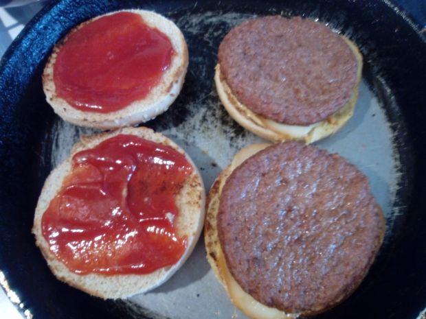 Cheesburgery z oscypkiem