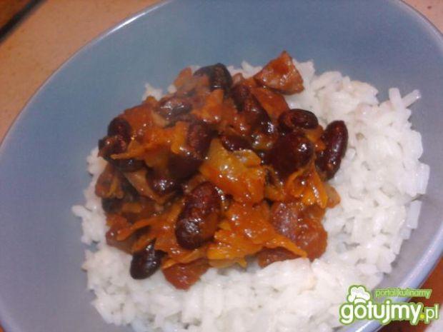 Chili con carne z kiełbasą