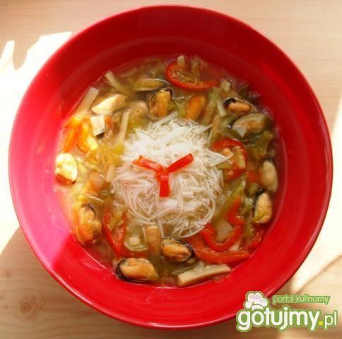 Chińska zupa z małżami