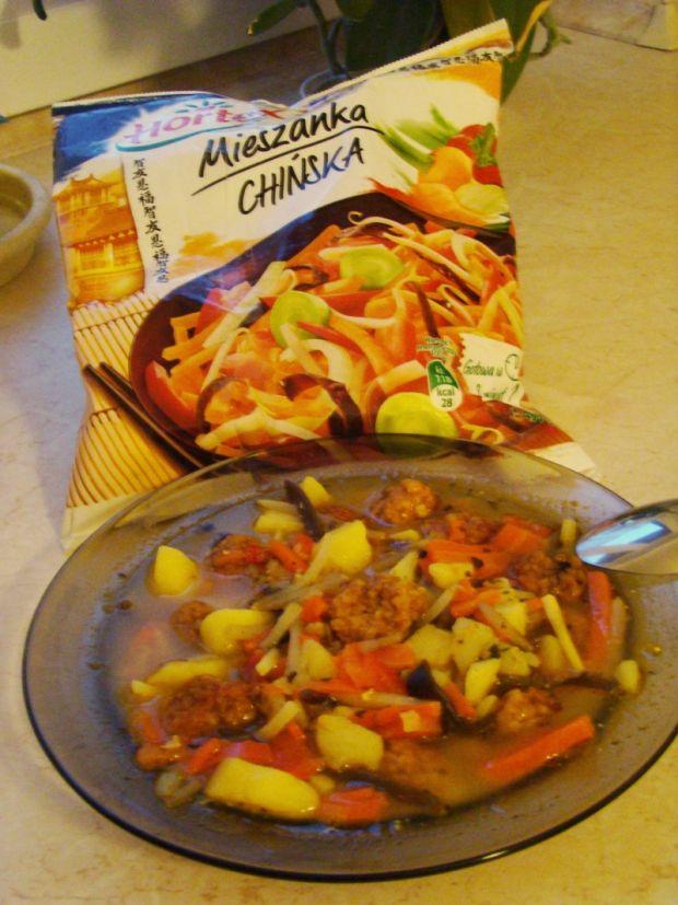 Chińska zupa z pulpecikami z kuskusem