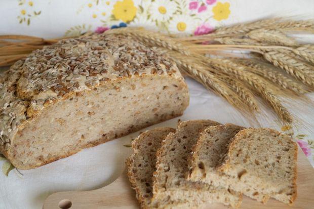 Chleb na zakwasie z ziarnami pszenicy